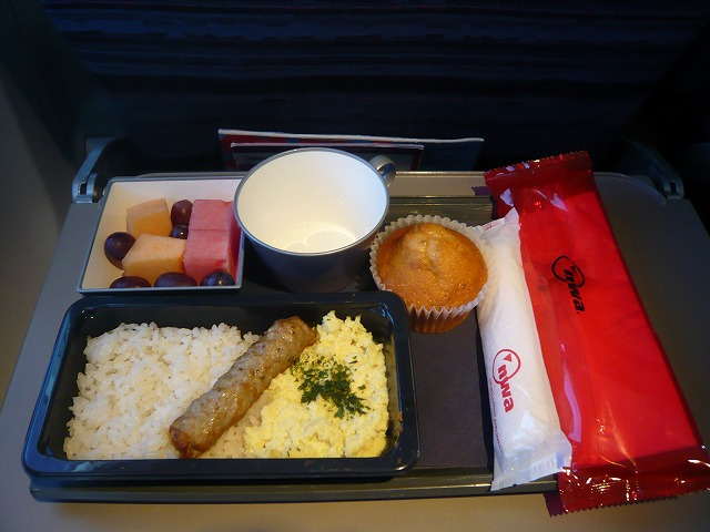 ノースウエスト航空エコノミークラス機内食