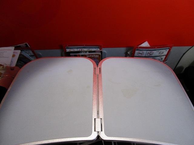 ジェットスター航空 エコノミークラステーブル