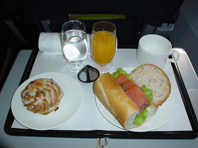 カンタス航空ビジネスクラス機内食