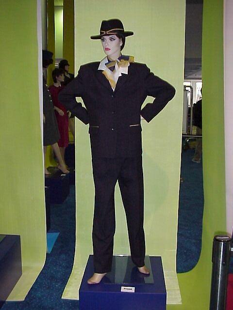 アンセット航空 最後の制服