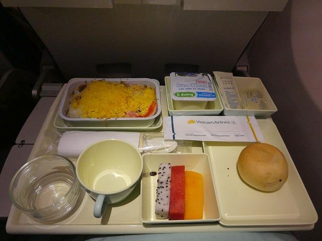 VN320 ベトナム航空 機内食 エコノミークラス